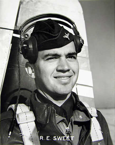 Captain Robert E. Sweet, Distinguished Flying Cross recipient